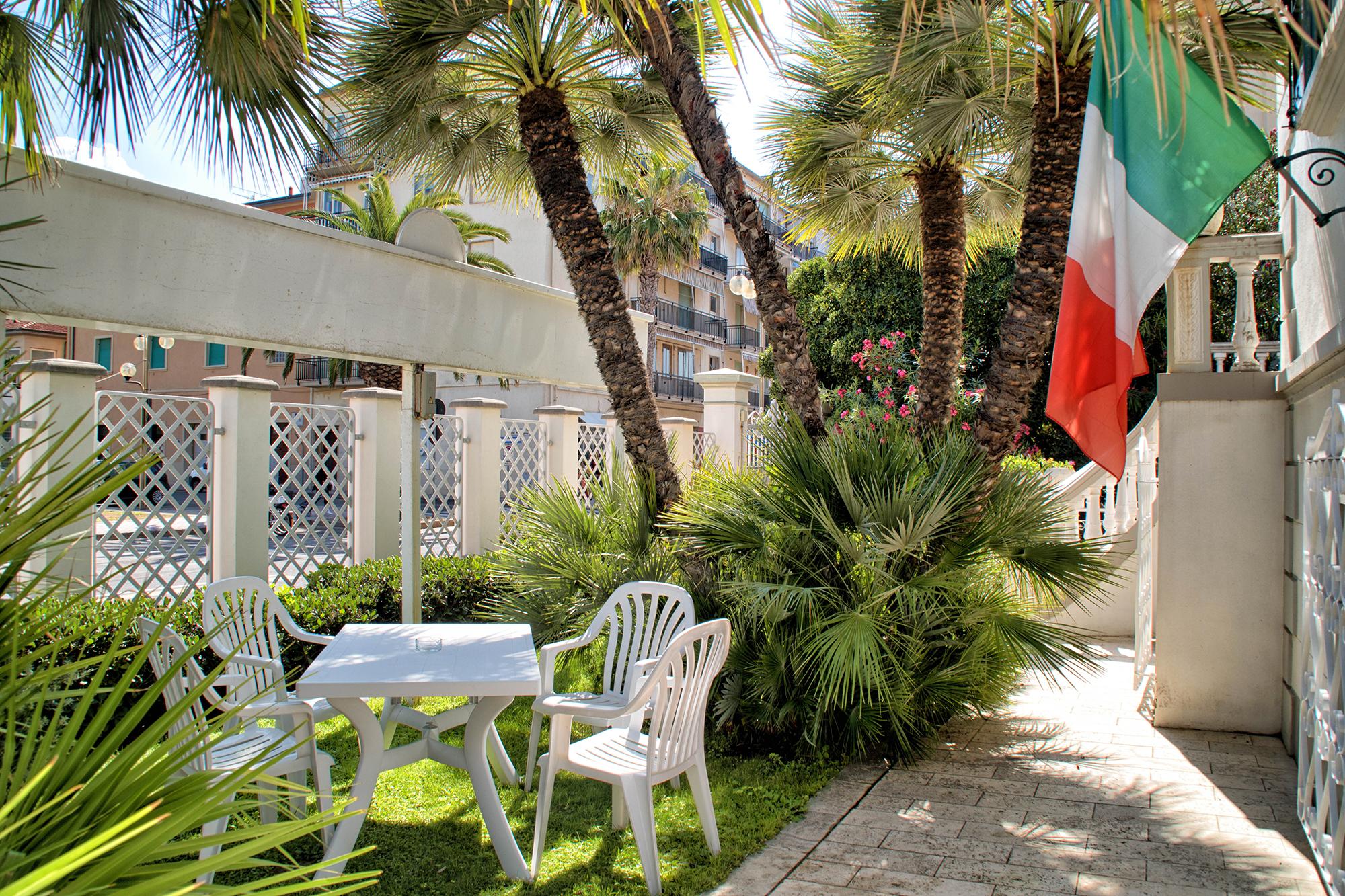 Giardino-Residence-Toscana-Mare