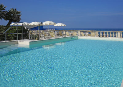 Residence-con-piscina-Toscana-Mare
